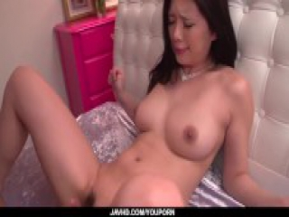 Risa Shimizu goes nude once putting her hands on cock - More at javhd.net